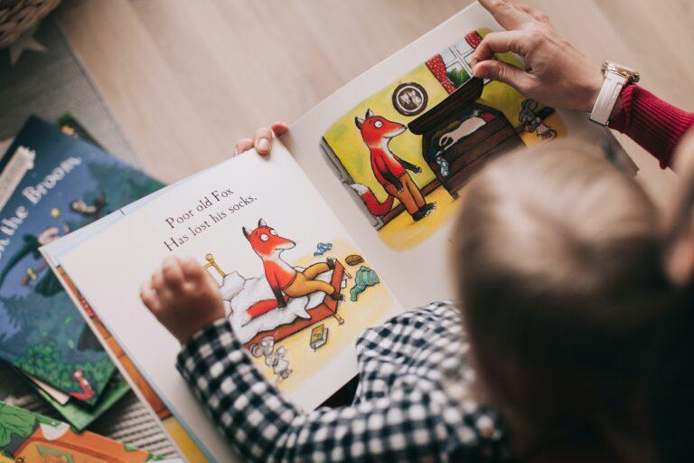 Μωρό και διάβασμα: Πόσο νωρίς πρέπει να ξεκινήσουμε την ανάγνωση βιβλίων;