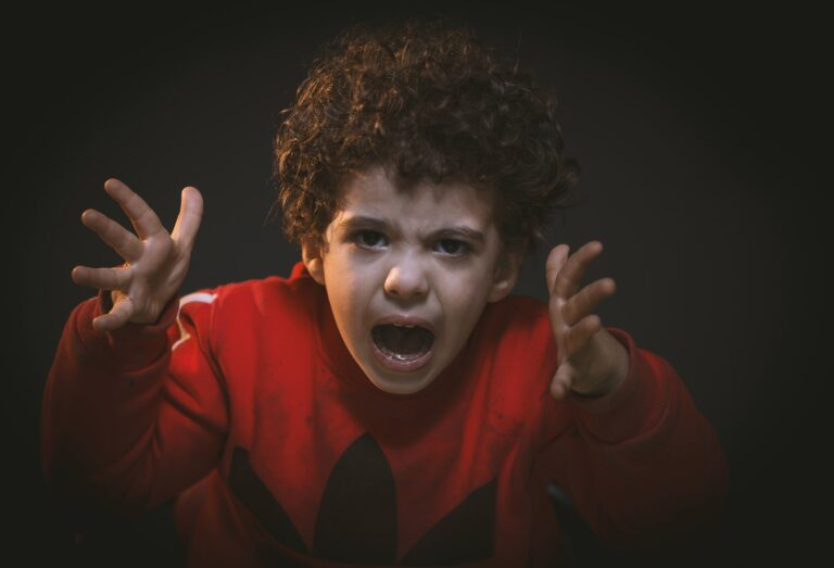 Οι θυμωμένοι άνθρωποι προέρχονται από θυμωμένες οικογένειες